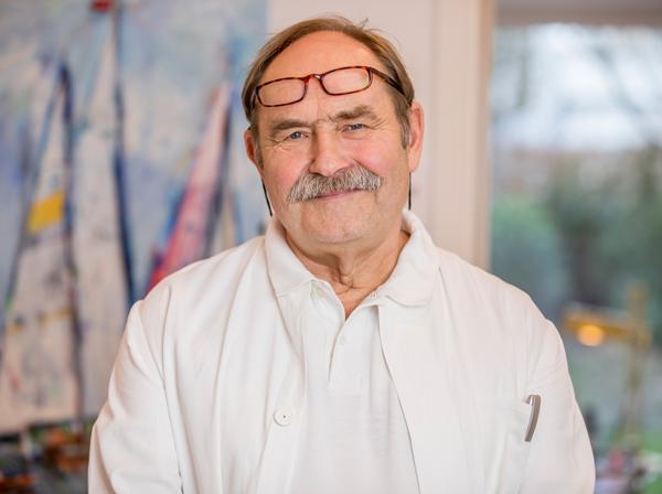 Prof. Knitza